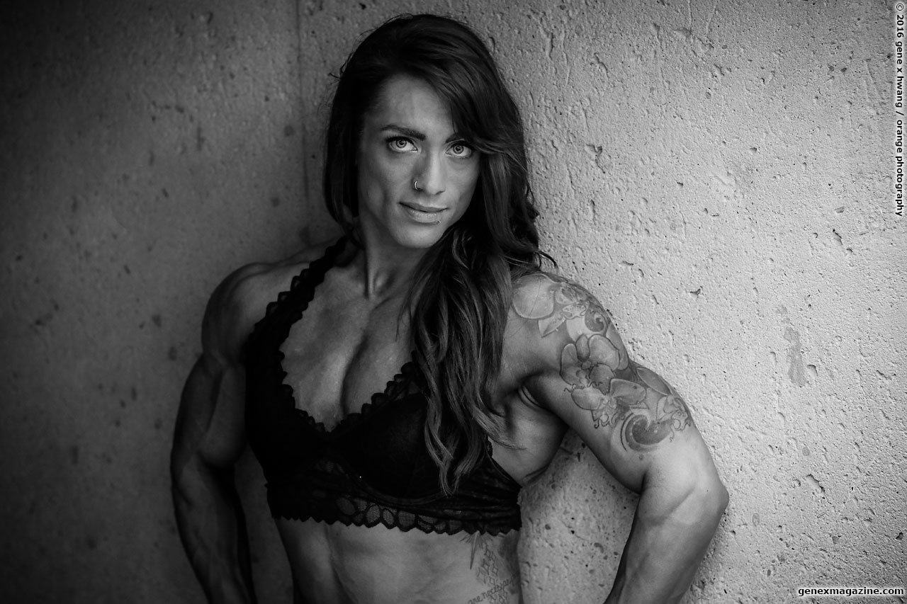 Amanda Smith physique female bodybuilder