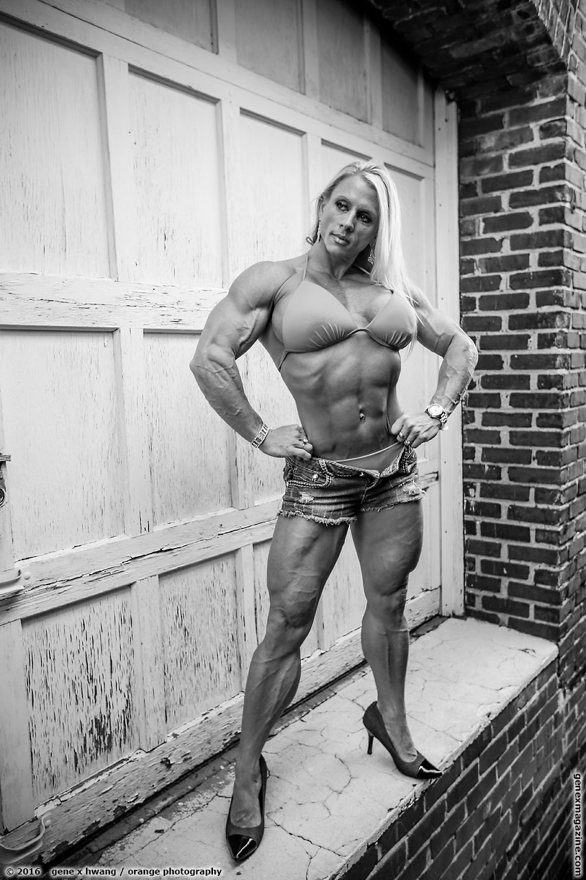Shannon Raboh physique female bodybuilder