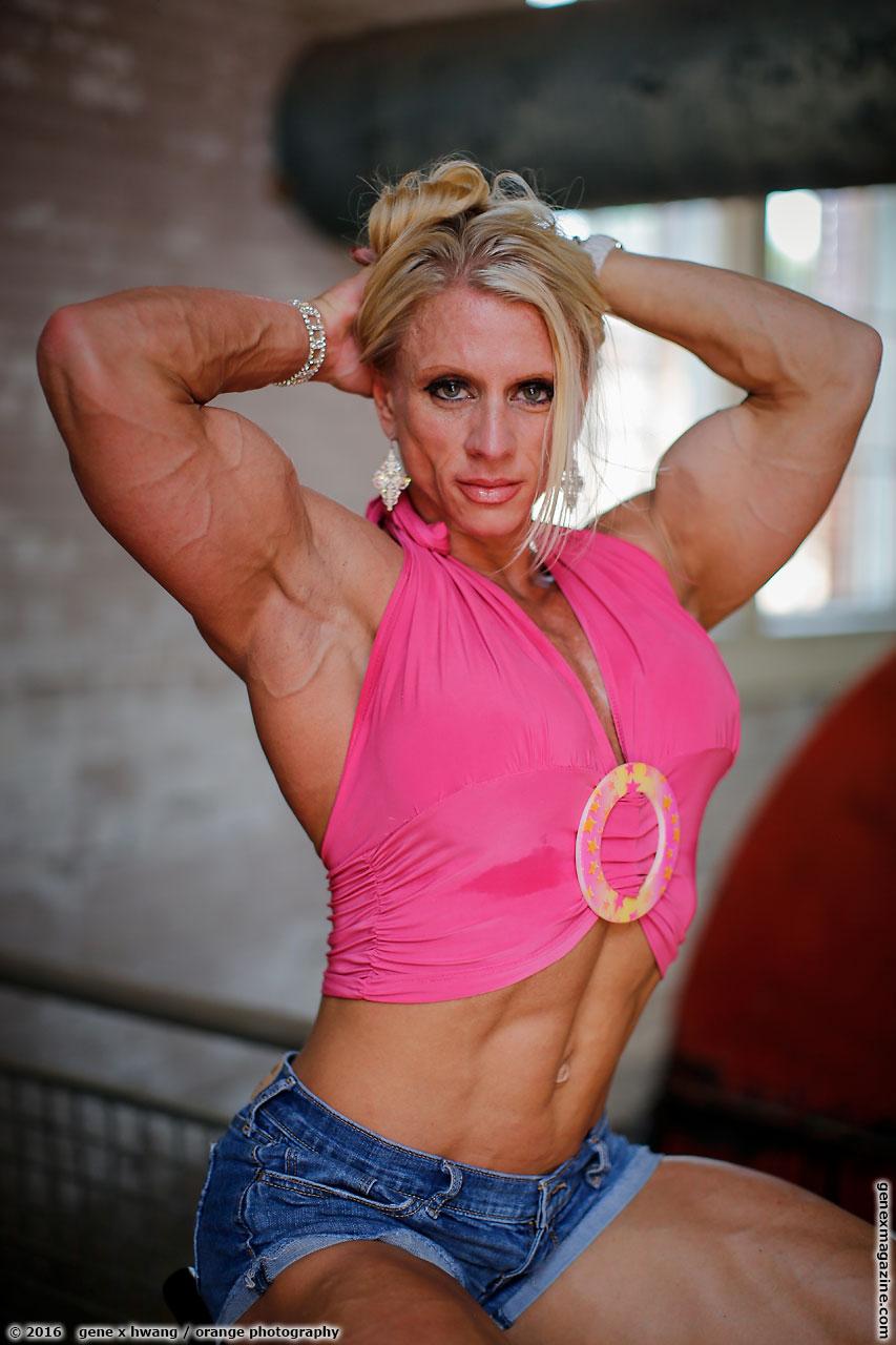Shannon Rabon female bodybuilder